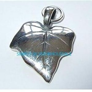 Ivy Leaf Charm / Pendant (Double-sided)