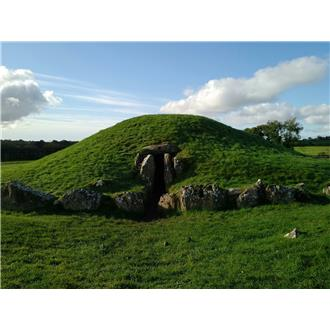 Bryn Celli Ddu Burial Chamber - Anglesey